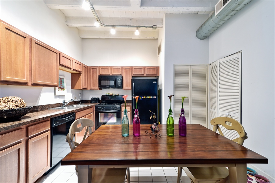 Real Estate Photography - 4015 N Milwaukee Ave, Unit 307, Chicago, IL, 60641 - Kitchen