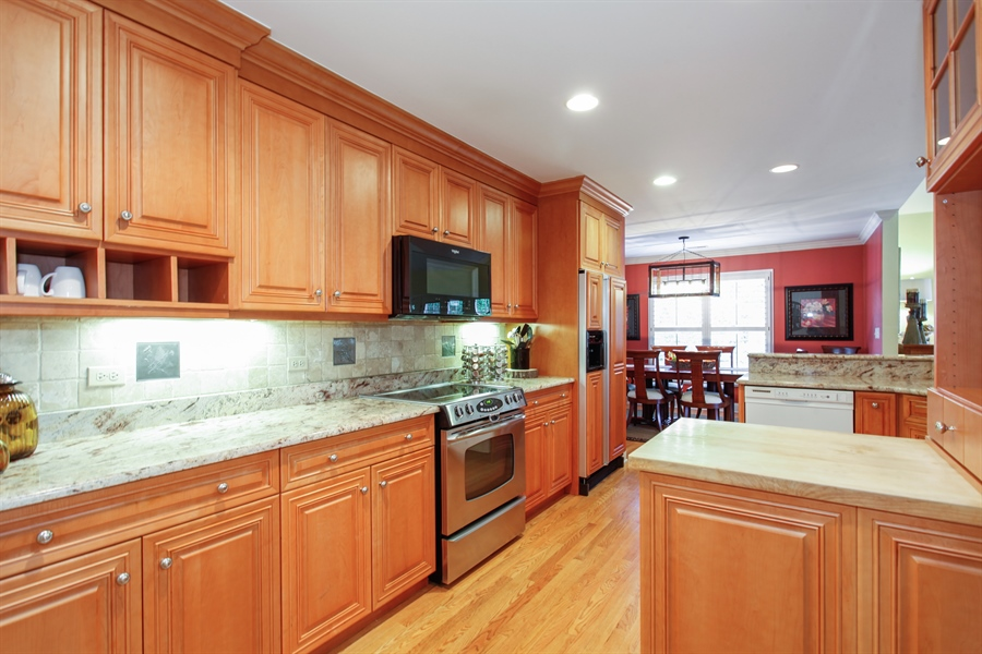 Real Estate Photography - 65 Harris, Clarendon Hills, IL, 60514 - Kitchen
