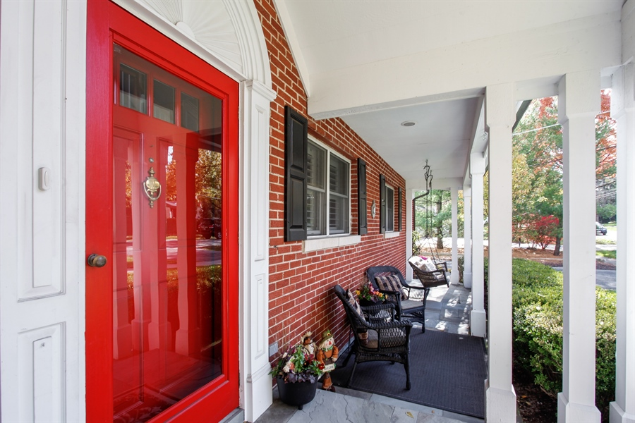 Real Estate Photography - 65 Harris, Clarendon Hills, IL, 60514 - Porch