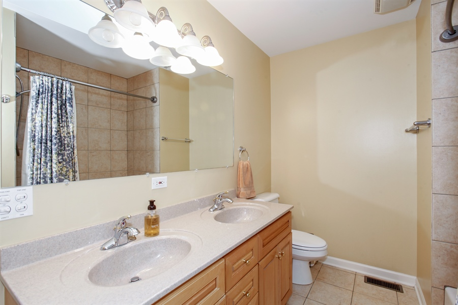 Real Estate Photography - 65 Harris, Clarendon Hills, IL, 60514 - Bathroom