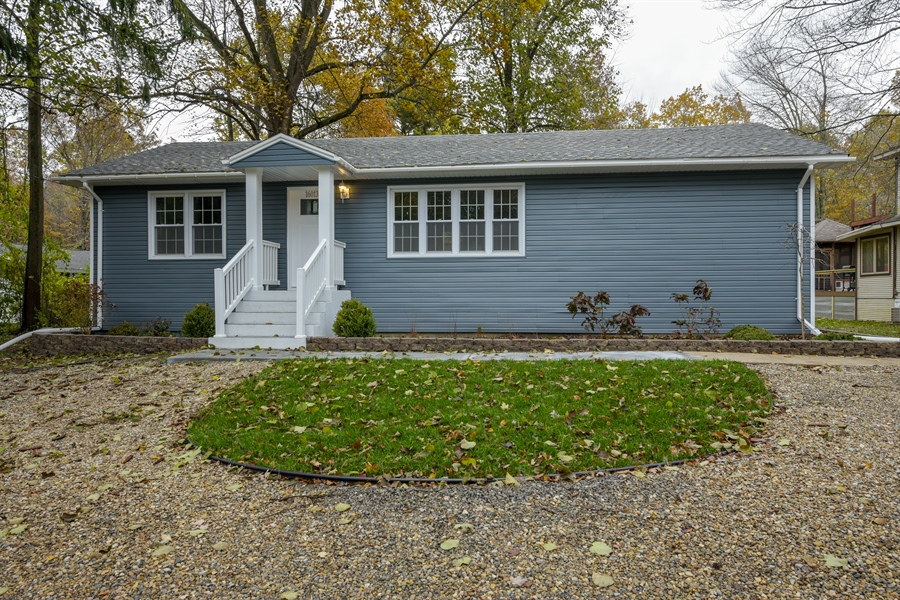 Real Estate Photography - 16013 Prusa Road, New Buffalo, MI, 49117 - Front View