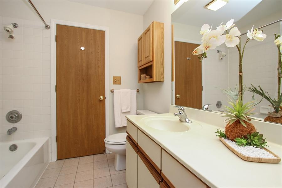 Real Estate Photography - 1206 Ballantrae Place, D, Mundelein, IL, 60060 - Master Bathroom