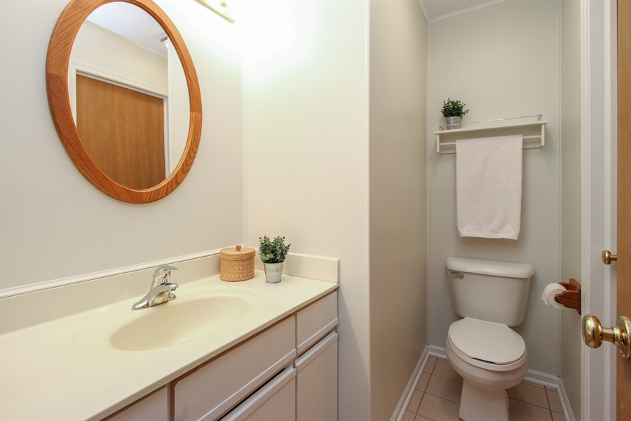 Real Estate Photography - 1206 Ballantrae Place, D, Mundelein, IL, 60060 - Powder Room