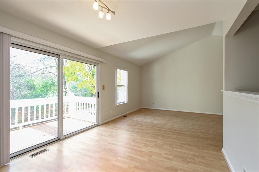 Real Estate Photography - 1206 Ballantrae Place, D, Mundelein, IL, 60060 - Dining Room