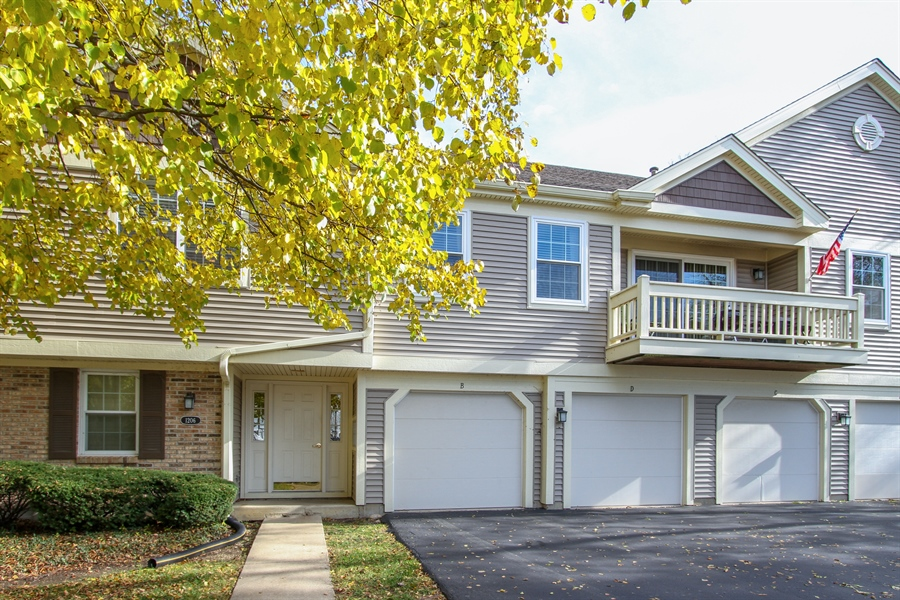 Real Estate Photography - 1206 Ballantrae Place, D, Mundelein, IL, 60060 - Front View