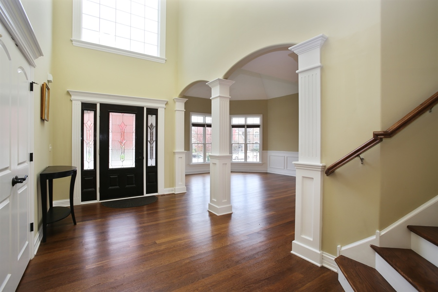 Real Estate Photography - 1685 W Prescott Place, Addison, IL, 60101 - Entryway