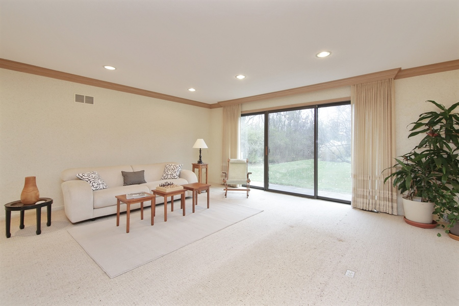 Real Estate Photography - 144 Arrowwood, Northbrook, IL, 60062 - Living Room