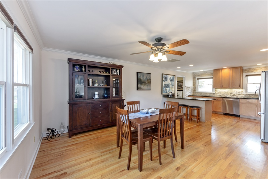 Real Estate Photography - 1840 N Fernandez Ave, Arlington Heights, IL, 60004 - Kitchen / Breakfast Room