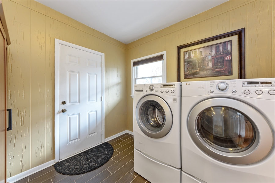 Real Estate Photography - 1840 N Fernandez Ave, Arlington Heights, IL, 60004 - Mudroom