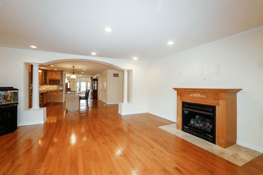 Real Estate Photography - 7724 S Prairie Ave., CHICAGO, IL, 60619 - Family Room