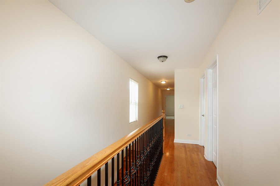 Real Estate Photography - 7724 S Prairie Ave., CHICAGO, IL, 60619 - Hallway