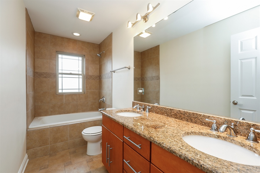 Real Estate Photography - 7724 S Prairie Ave., CHICAGO, IL, 60619 - Bathroom