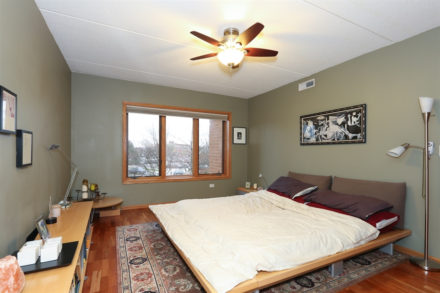 Real Estate Photography - 1 N. Beacon Pl, 212, La Grange, IL, 60525 - Master Bedroom