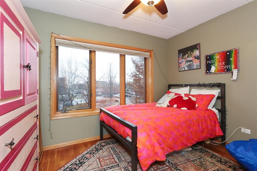 Real Estate Photography - 1 N. Beacon Pl, 212, La Grange, IL, 60525 - Bedroom