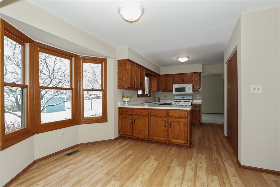 Real Estate Photography - 1800 71st St., Downers Grove, IL, 60516 - Kitchen / Breakfast Room