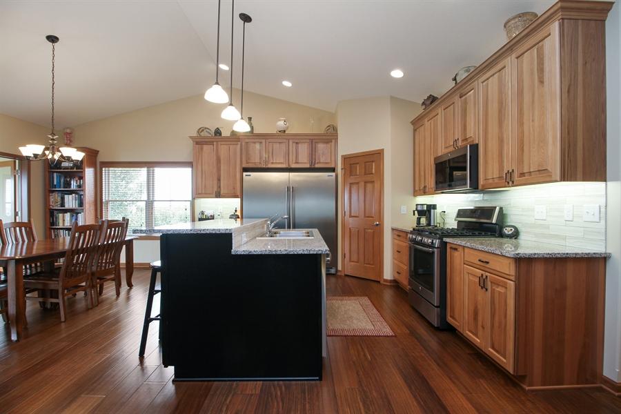 Real Estate Photography - 6011 Park View Dr, Bourbonnais, IL, 60914 - Kitchen