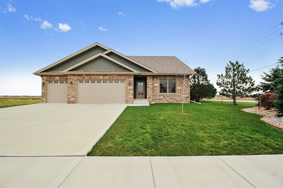 Real Estate Photography - 6011 Park View Dr, Bourbonnais, IL, 60914 - Front View