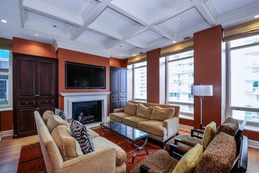 Real Estate Photography - 33 W. Ontario, TH1, Chicago, IL, 60654 - Living Room
