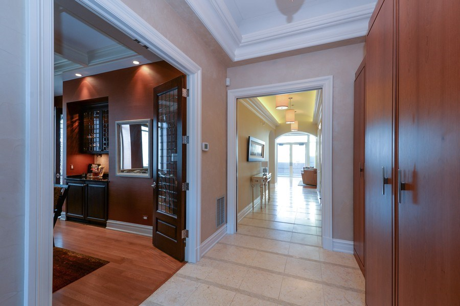 Real Estate Photography - 33 W. Ontario, TH1, Chicago, IL, 60654 - Foyer