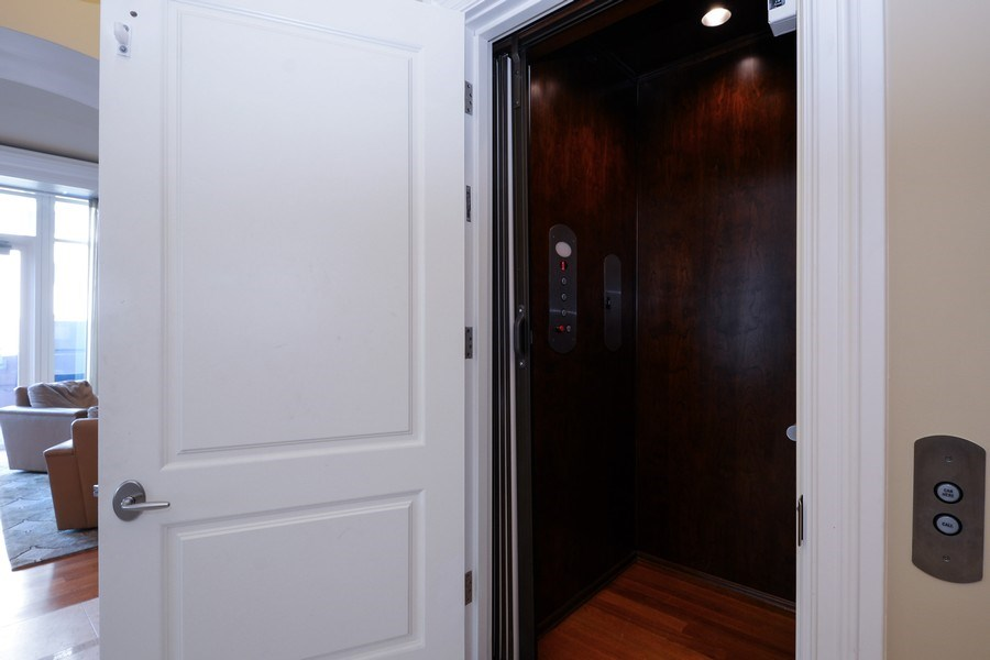 Real Estate Photography - 33 W. Ontario, TH1, Chicago, IL, 60654 - Elevator
