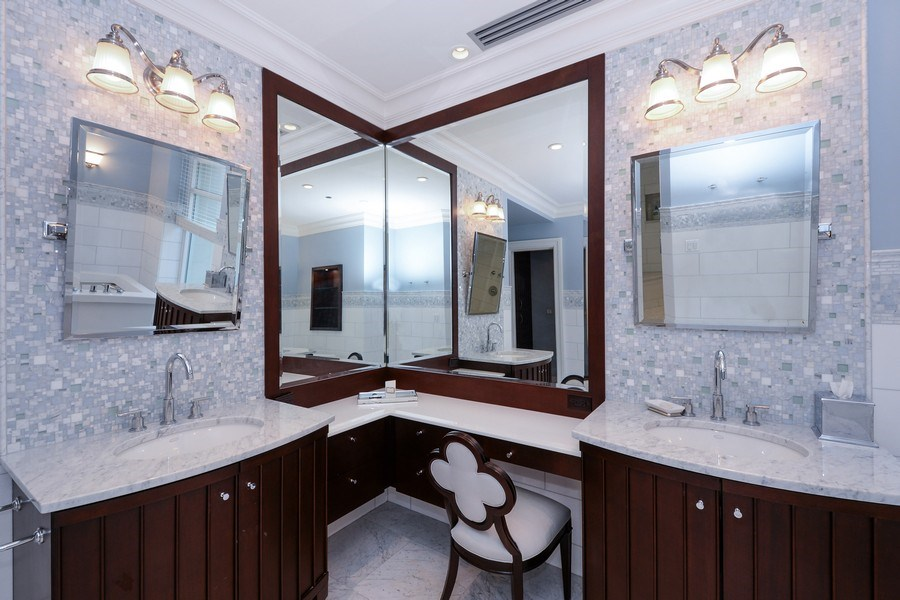 Real Estate Photography - 33 W. Ontario, TH1, Chicago, IL, 60654 - Bathroom