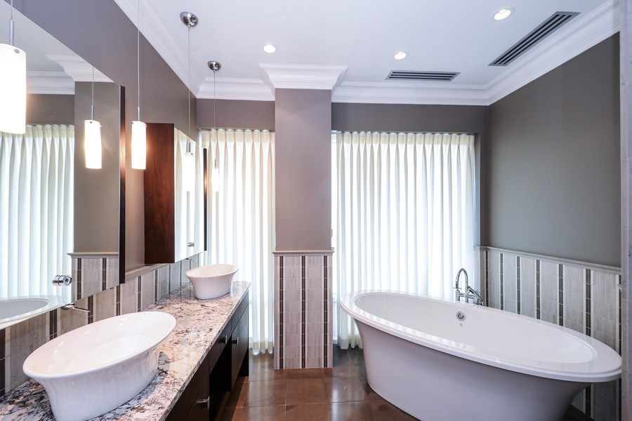 Real Estate Photography - 33 W. Ontario, TH1, Chicago, IL, 60654 - 2nd Bathroom