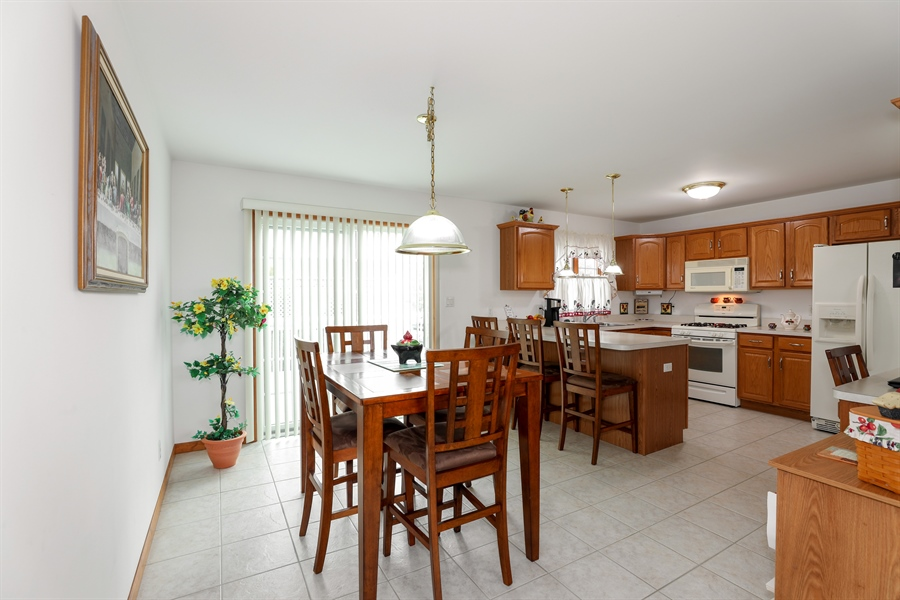 Real Estate Photography - 9445 Beall, Dyer, IN, 46311 - Kitchen / Breakfast Room