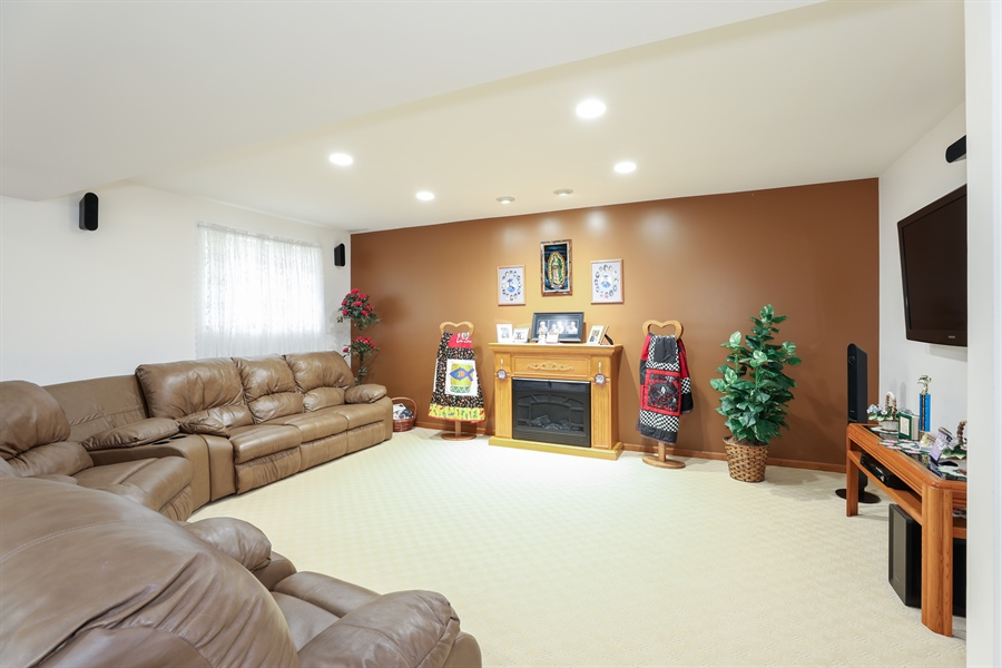 Real Estate Photography - 9445 Beall, Dyer, IN, 46311 - Family Room