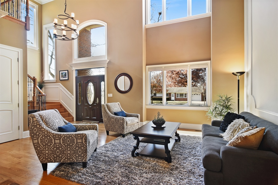 Real Estate Photography - 207 S Bobby Ln, Mt Prospect, IL, 60056 - Living Room