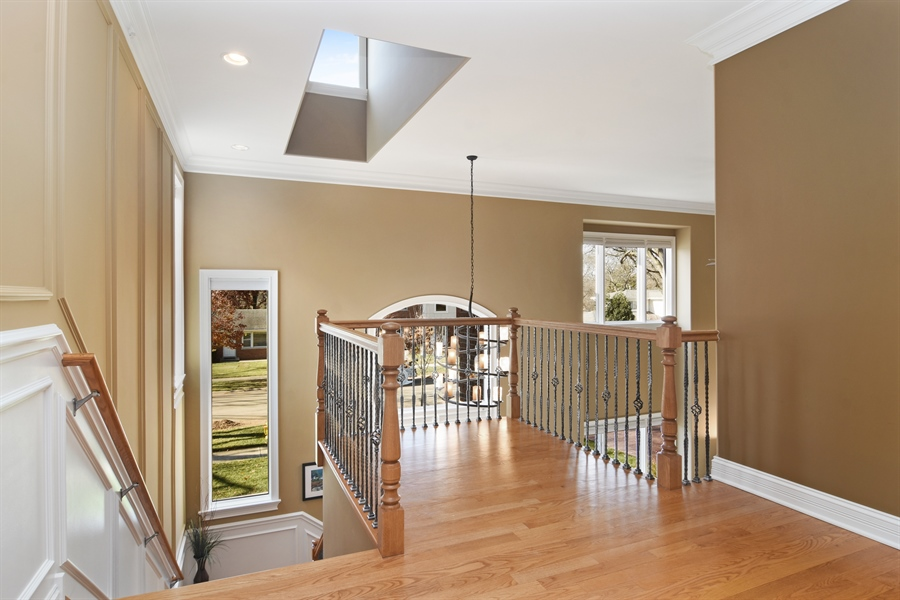Real Estate Photography - 207 S Bobby Ln, Mt Prospect, IL, 60056 - 2nd Floor Landing/Look-out