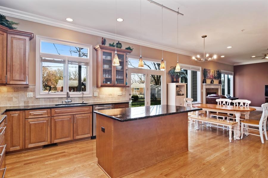 Real Estate Photography - 207 S Bobby Ln, Mt Prospect, IL, 60056 - Kitchen