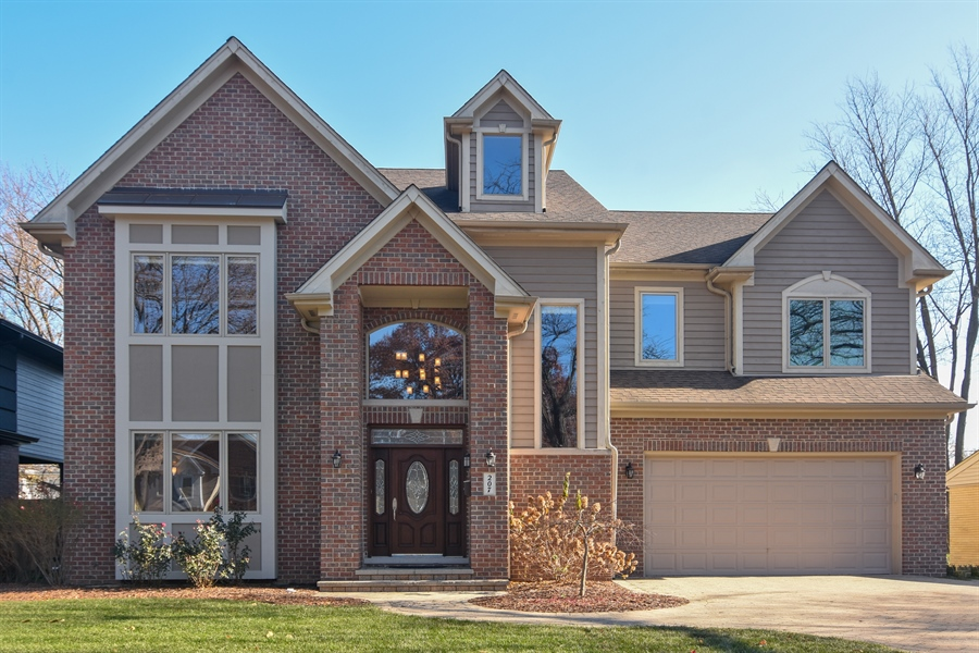 Real Estate Photography - 207 S Bobby Ln, Mt Prospect, IL, 60056 - Front View
