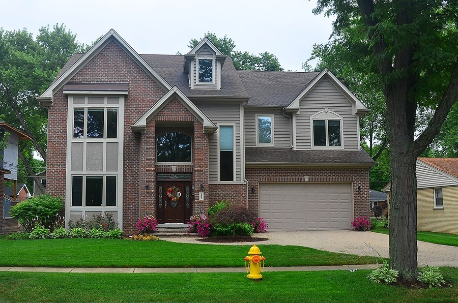 Real Estate Photography - 207 S Bobby Ln, Mt Prospect, IL, 60056 - Welcome...Home