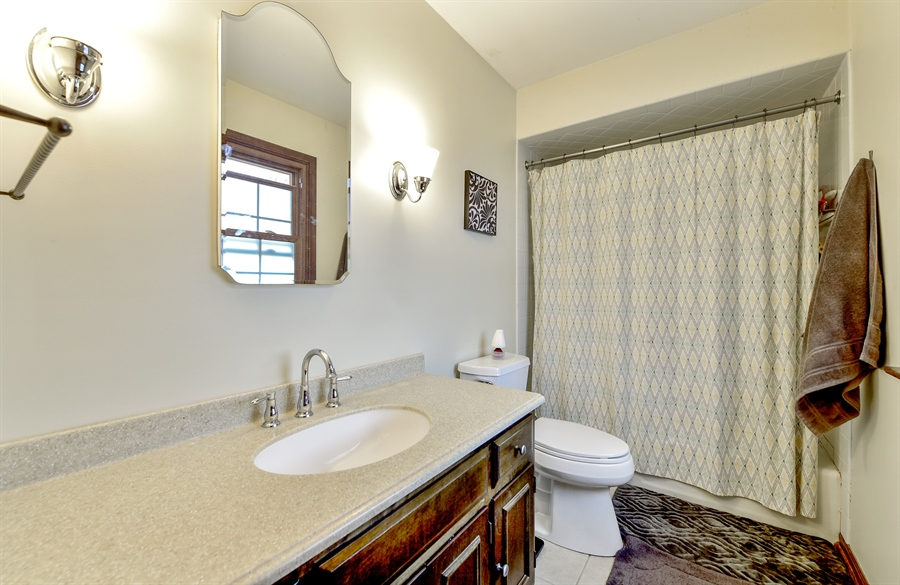 Real Estate Photography - 313 Queens Pkwy, Bartlett, IL, 60103 - Master Bathroom