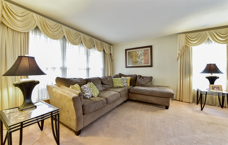 Real Estate Photography - 313 Queens Pkwy, Bartlett, IL, 60103 - Living Room