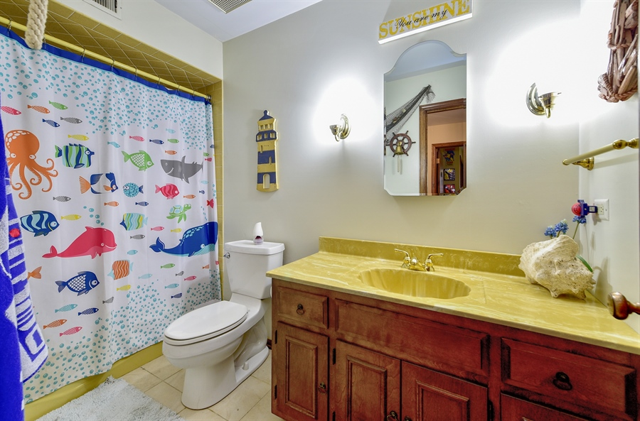 Real Estate Photography - 313 Queens Pkwy, Bartlett, IL, 60103 - Bathroom