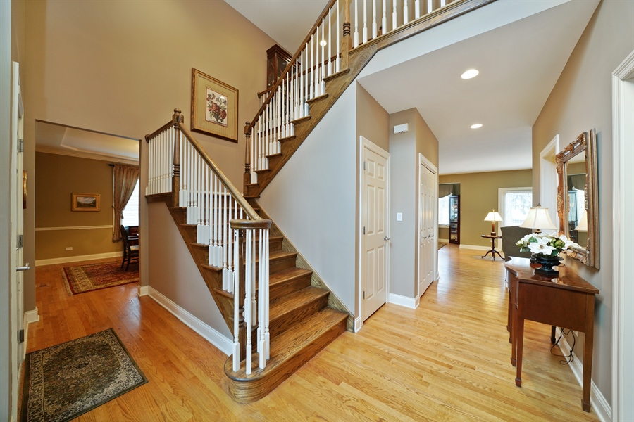 Real Estate Photography - 106 S. Lincoln St, Westmont, IL, 60559 - Foyer