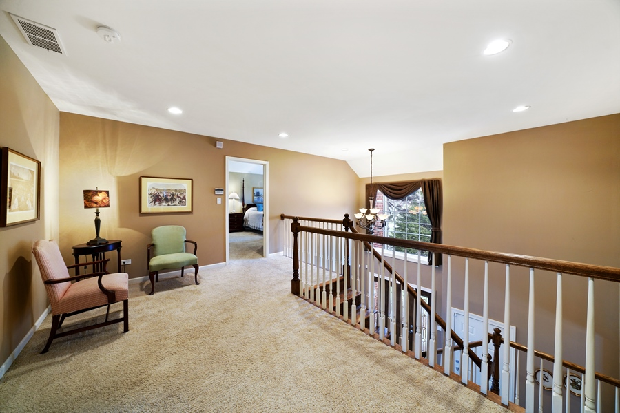 Real Estate Photography - 106 S. Lincoln St, Westmont, IL, 60559 - Loft