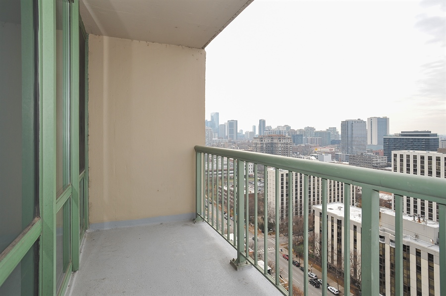 Real Estate Photography - 111 W Maple, 1809, Chicago, IL, 60610 - Terrace