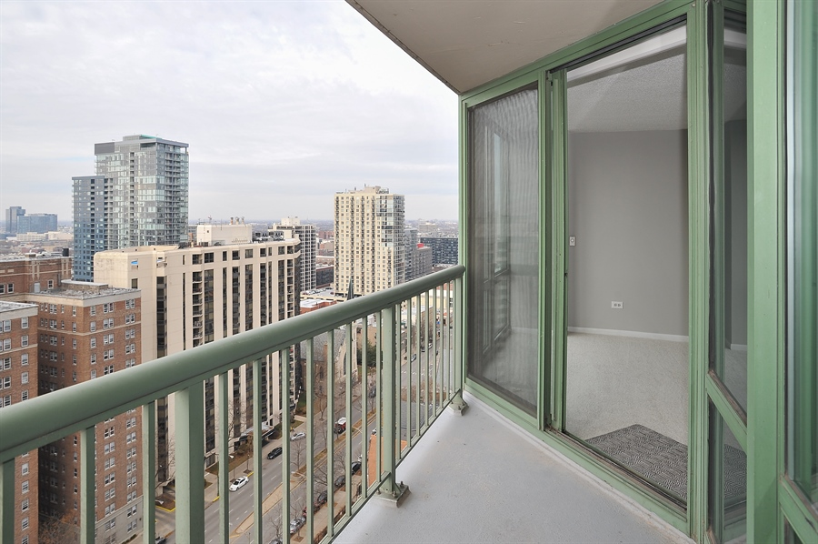 Real Estate Photography - 111 W Maple, 1809, Chicago, IL, 60610 - Terrace 2