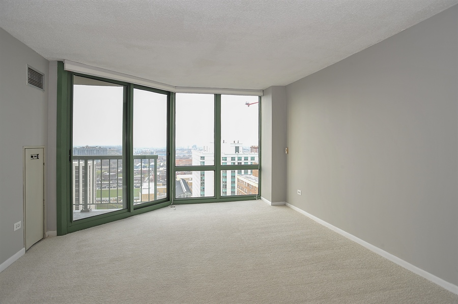 Real Estate Photography - 111 W Maple, 1809, Chicago, IL, 60610 - Living Room / Dining Room