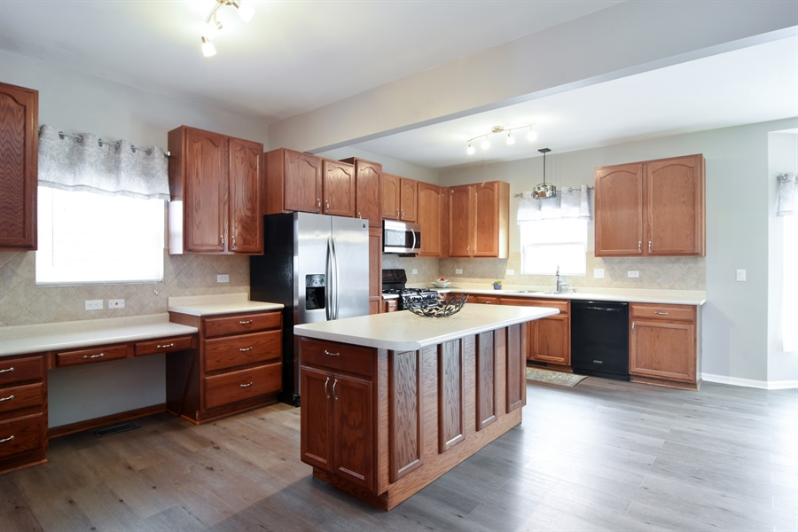Real Estate Photography - 741 Sun Lake Rd, Lake Villa, IL, 60046 - Kitchen