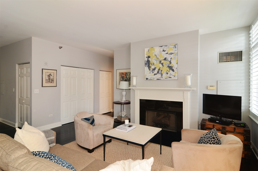 Real Estate Photography - 1122 N Dearborn, 8C, Chicago, IL, 60610 - Living Room