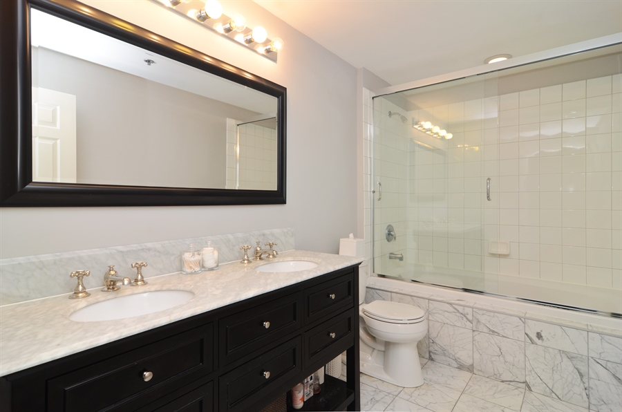 Real Estate Photography - 1122 N Dearborn, 8C, Chicago, IL, 60610 - Bathroom