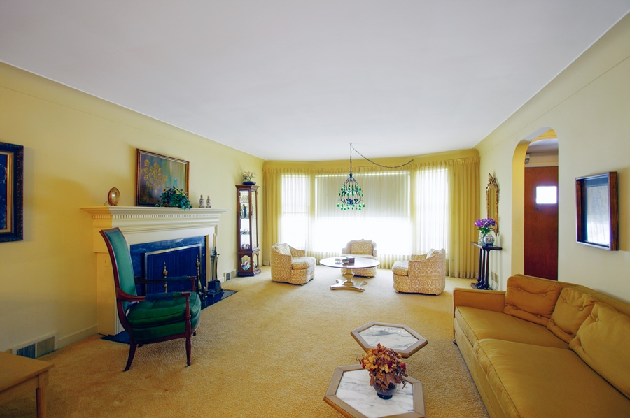 Real Estate Photography - 6248 N Drake Ave, Chicago, IL, 60659 - Living Room
