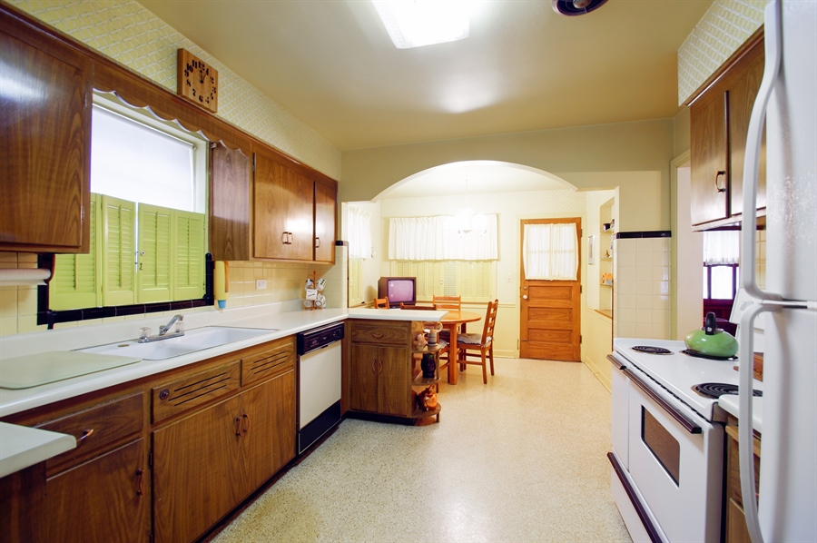 Real Estate Photography - 6248 N Drake Ave, Chicago, IL, 60659 - Kitchen