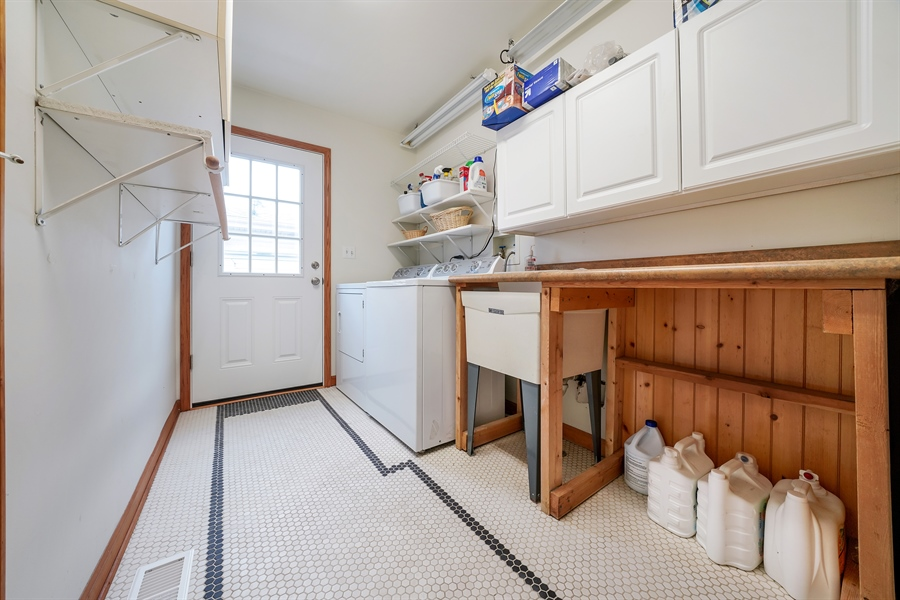 Real Estate Photography - 933 E. Crest Ave, Addison, IL, 60101 - Laundry Room