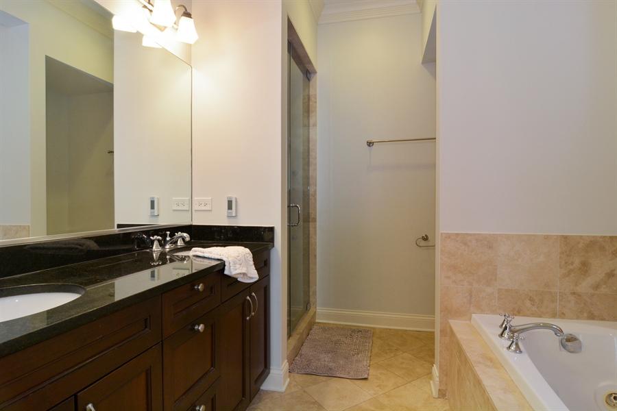 Real Estate Photography - 1422 N. Hoyne Avenue, 2, Chicago, IL, 60622 - Master Bathroom