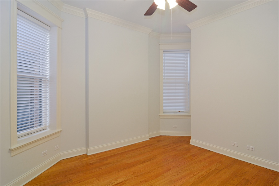 Real Estate Photography - 1422 N. Hoyne Avenue, 2, Chicago, IL, 60622 - 2nd Bedroom