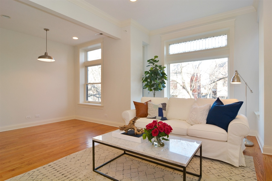 Real Estate Photography - 1422 N. Hoyne Avenue, 2, Chicago, IL, 60622 - Living Room / Dining Room